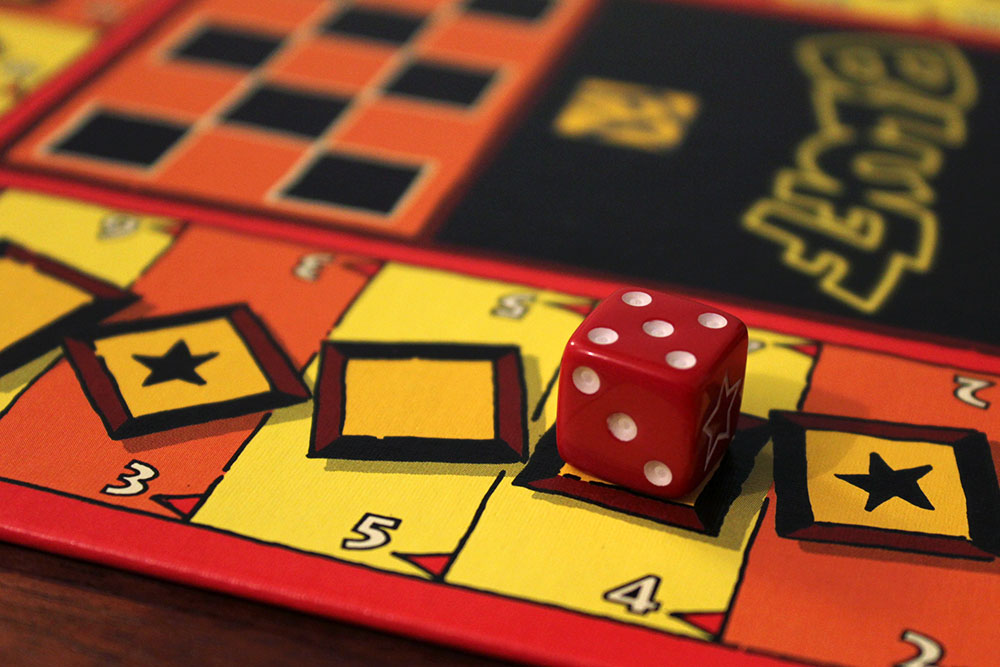 ボードゲーム「BLUFF」のボード