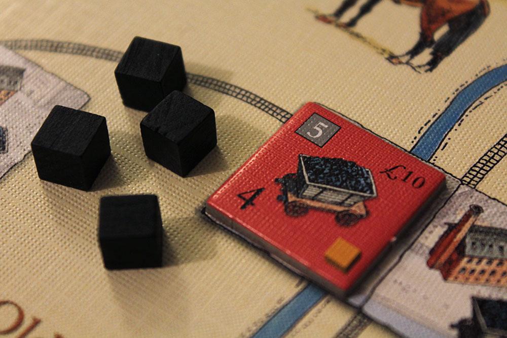 ボードゲーム「BRASS」の炭鉱タイルと石炭キューブ