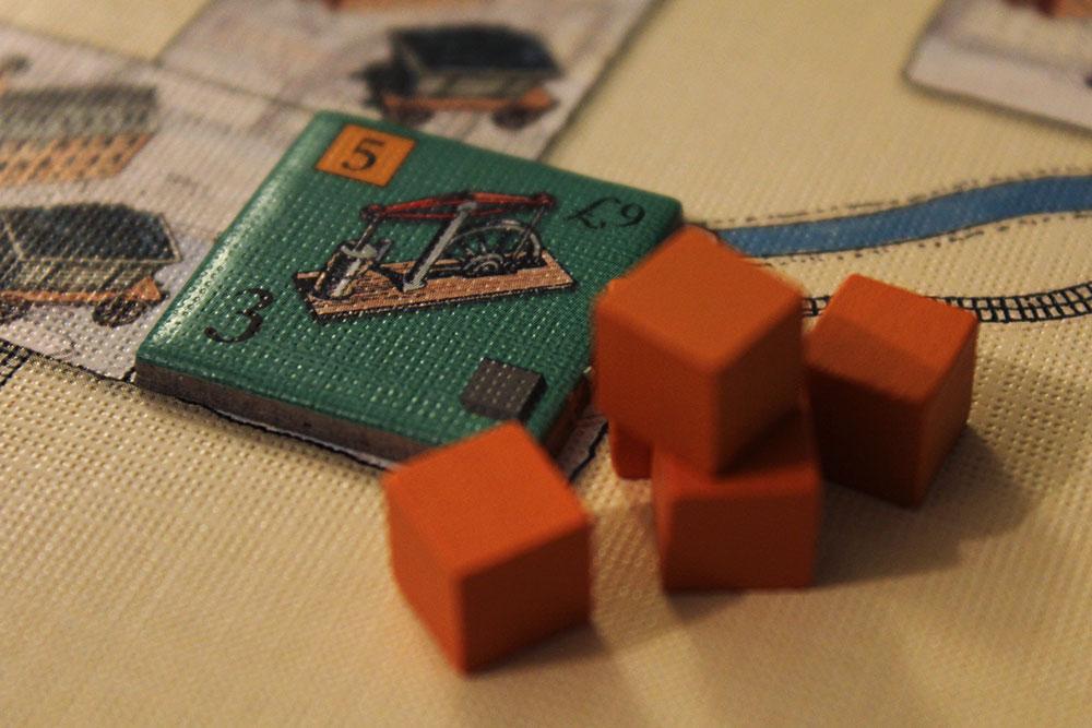 ボードゲーム「BRASS」の鉄工所タイルと鉄キューブ