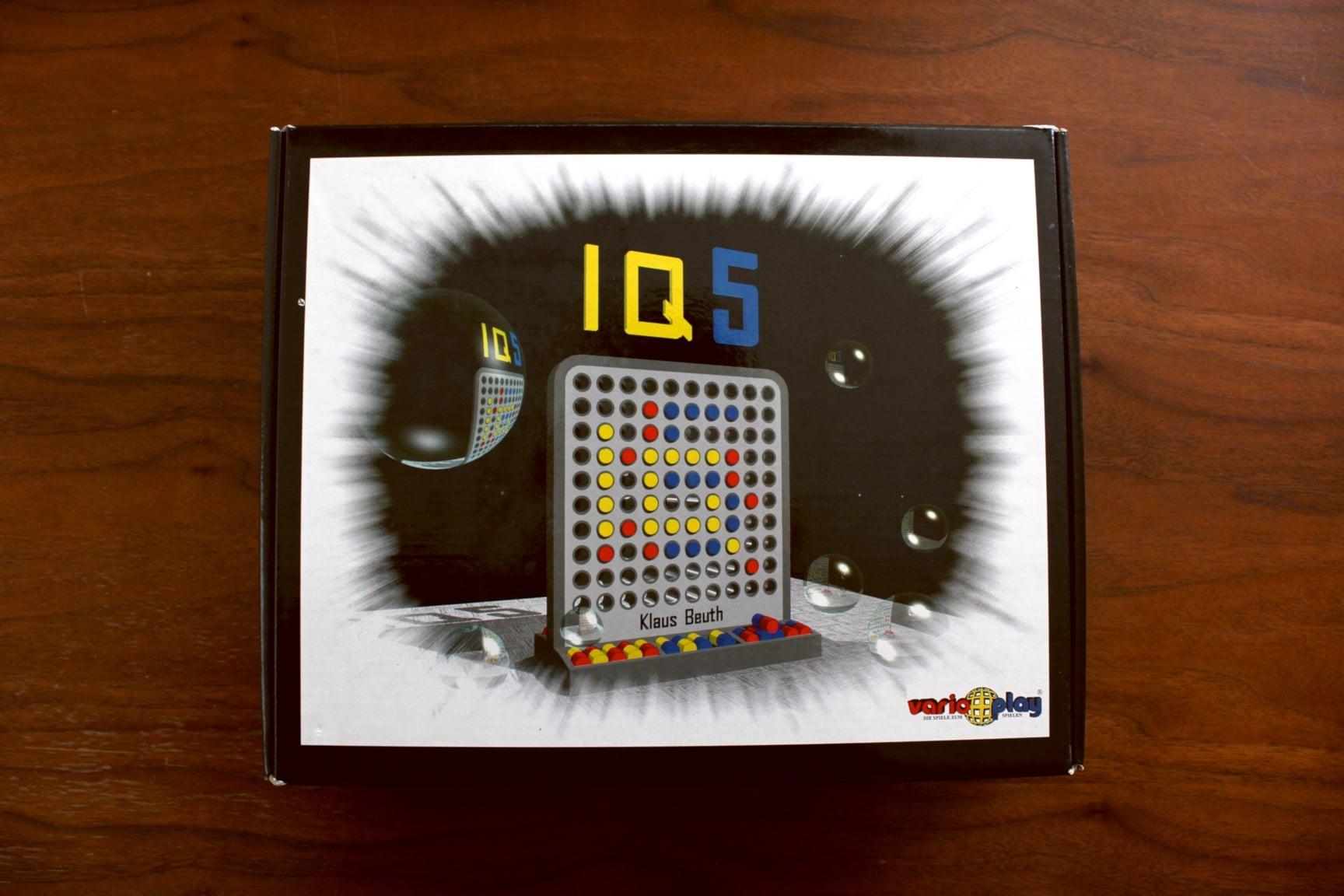 ボードゲーム「IQ5」の箱表面