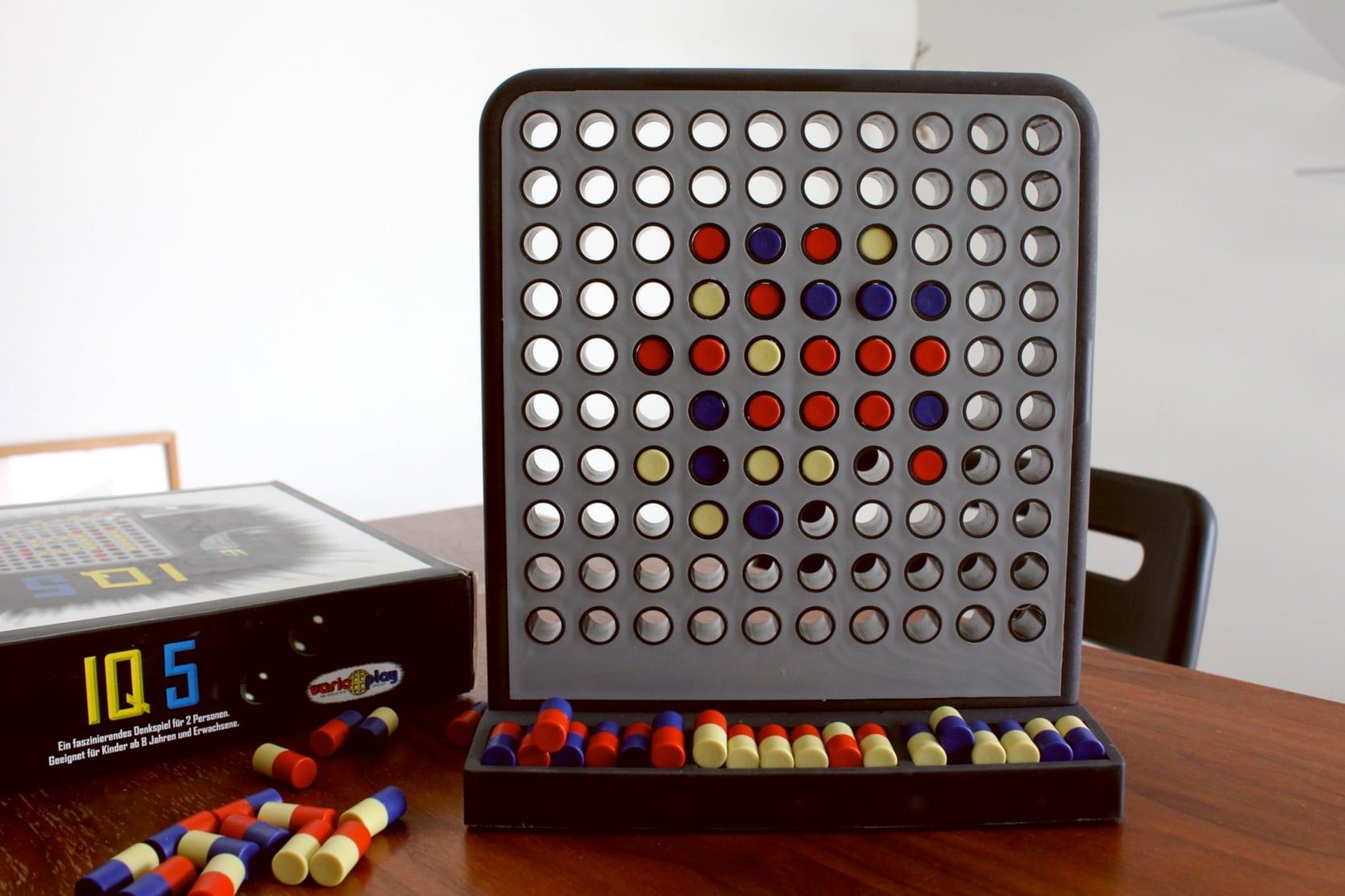 ボードゲーム「IQ5」のゲーム終了時