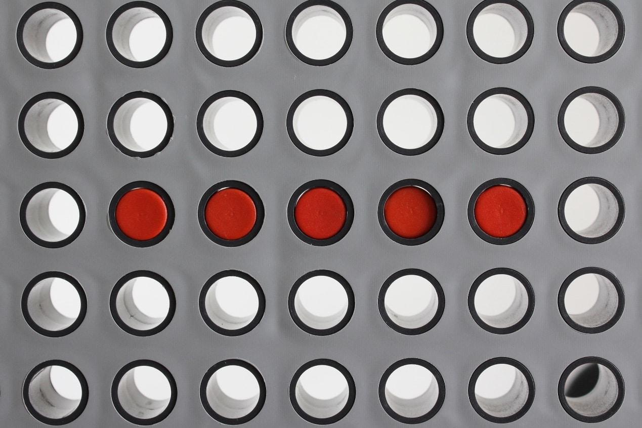 ボードゲーム「IQ5」の盤面