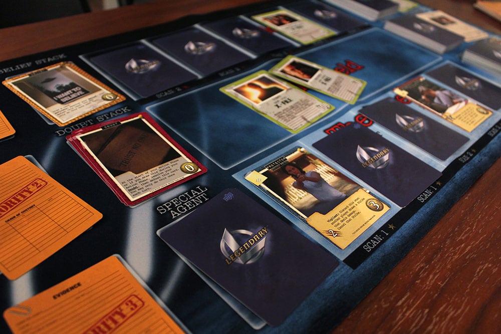 ボードゲーム「Legendary Encounters: The X-Files」のプレイ風景