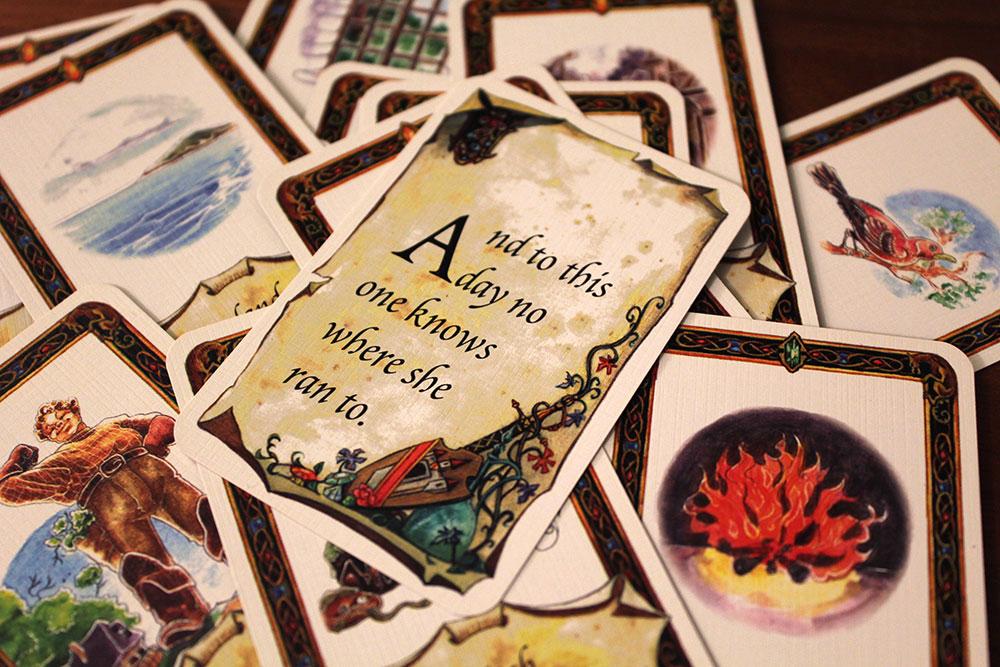 ボードゲーム「Once Upon A Time」のカードが重ねられた写真