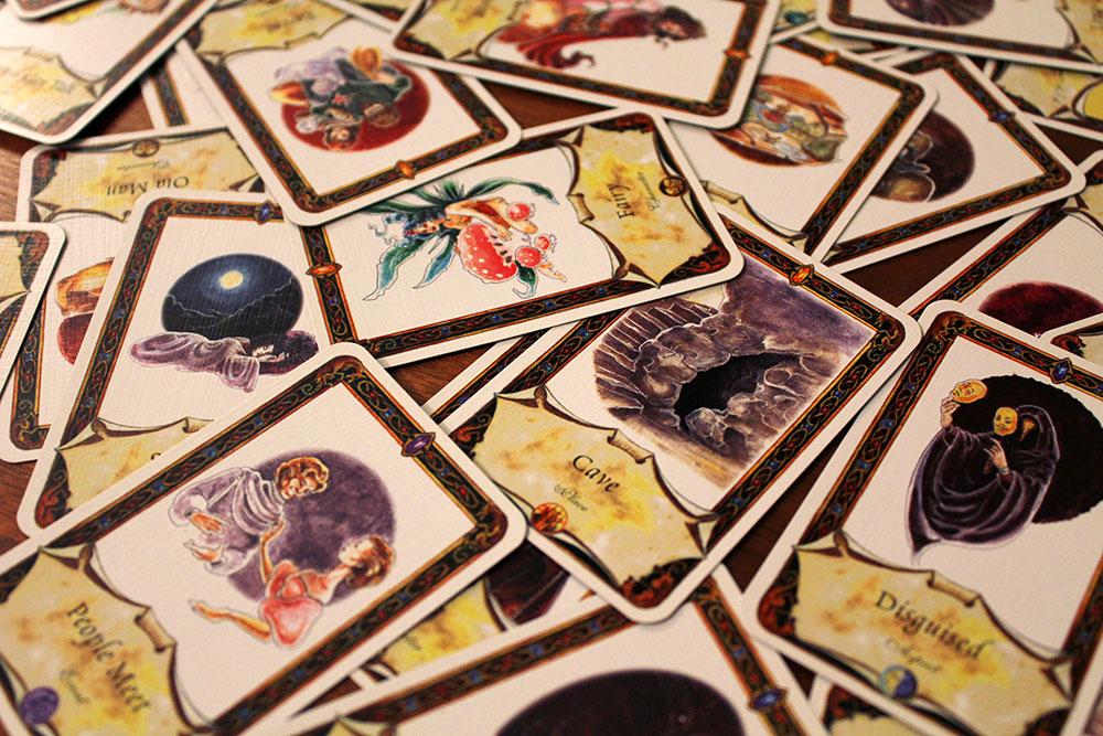 ボードゲーム「Once Upon A Time」のカードを散らした写真