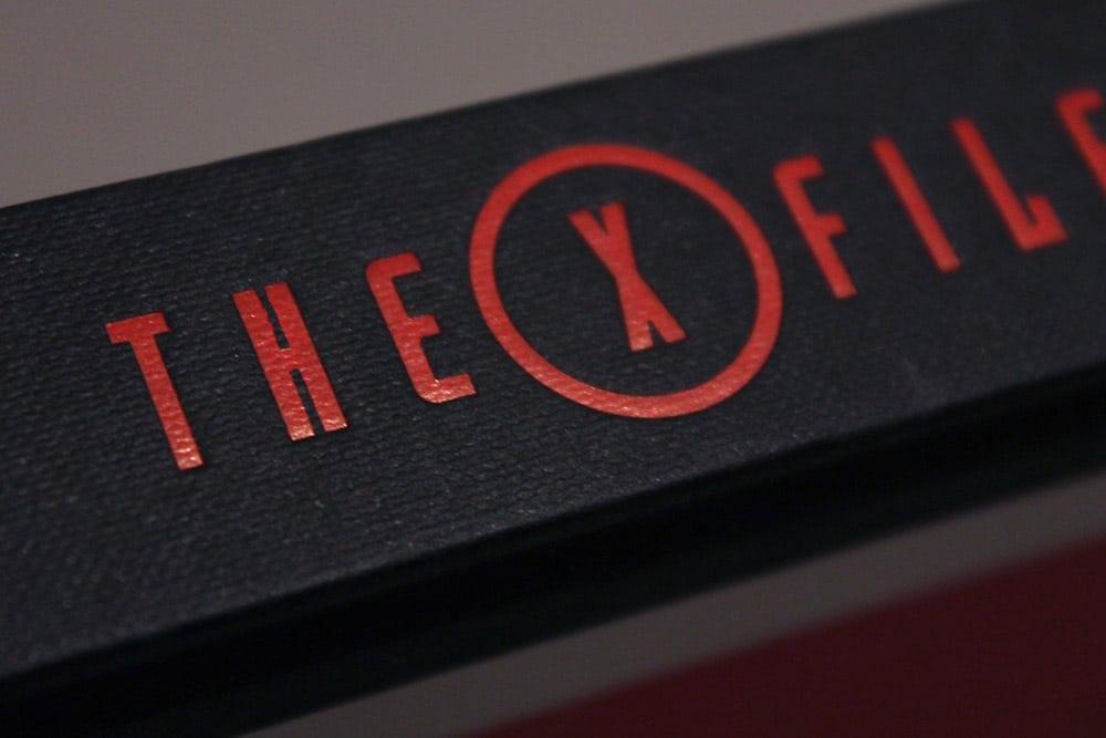 洋書「THE X-FILES : The Official Archives」の背表紙