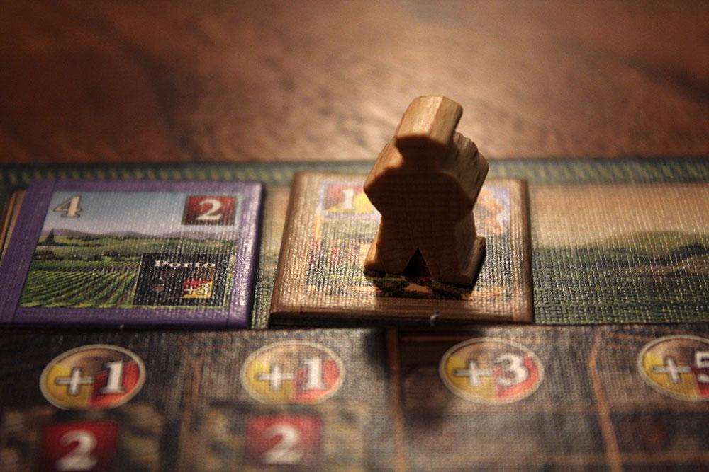 ボードゲーム「VINHOS」の醸造学者コマ
