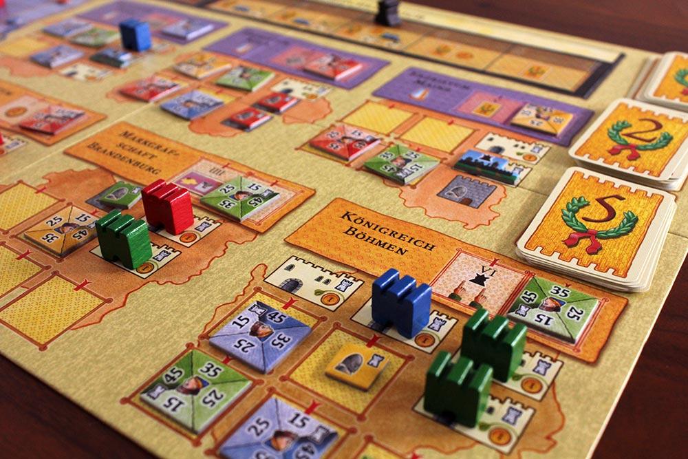 ボードゲーム「皇帝の影」のプレイ風景
