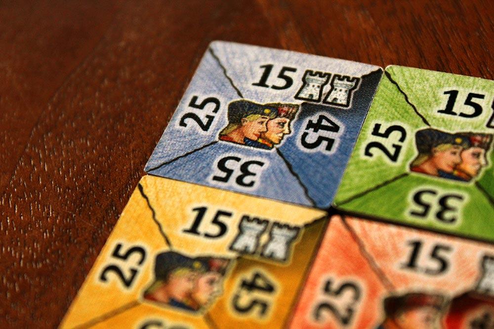 ボードゲーム「皇帝の影」の貴族タイル