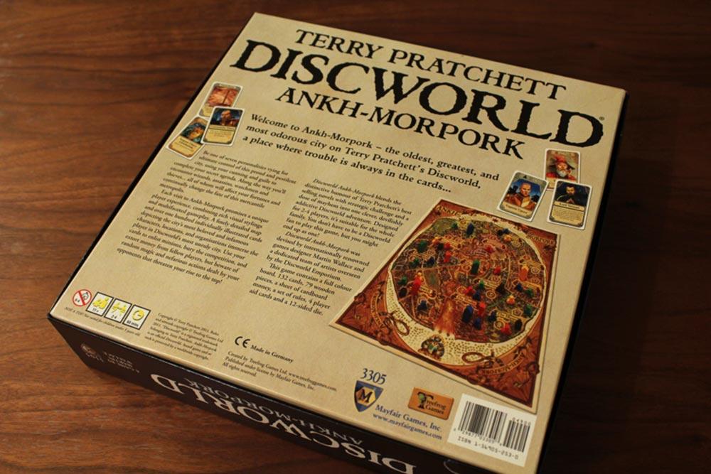 ボードゲーム『ディスクワールド: アンク・モルポーク』の箱裏面