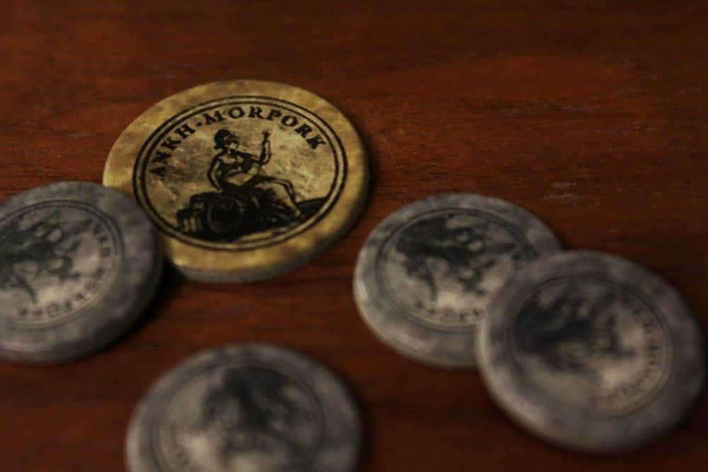 ボードゲーム『ディスクワールド: アンク・モルポーク』のコイン