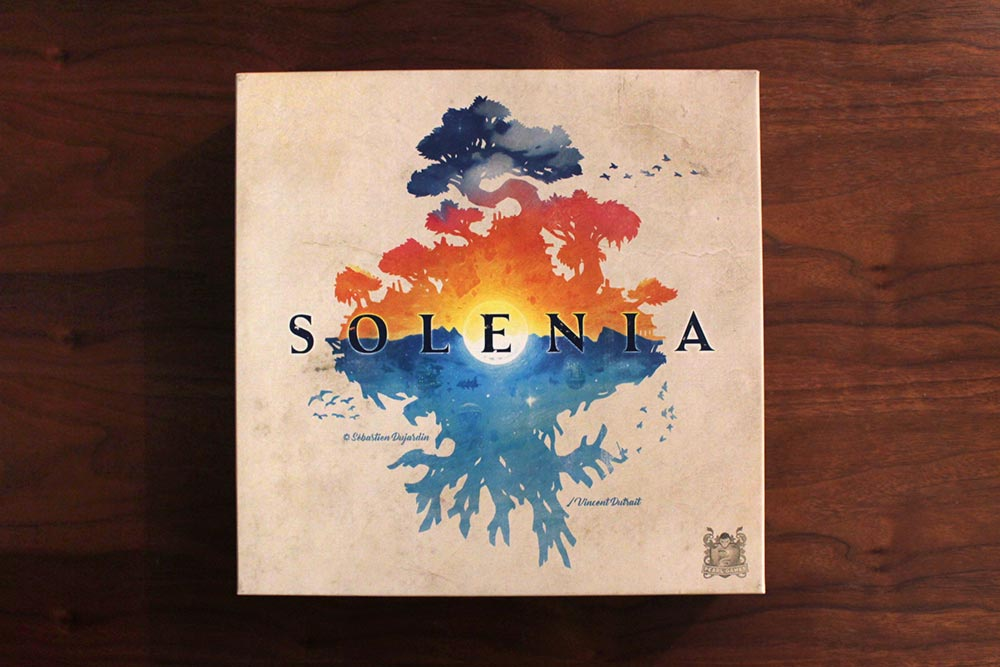 ボードゲーム「ソレニア」の箱表面