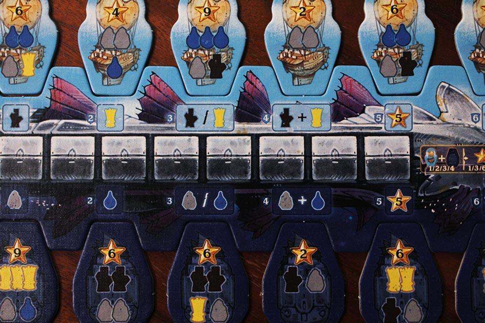 ボードゲーム「ソレニア」の輸送船とカスタムタイル