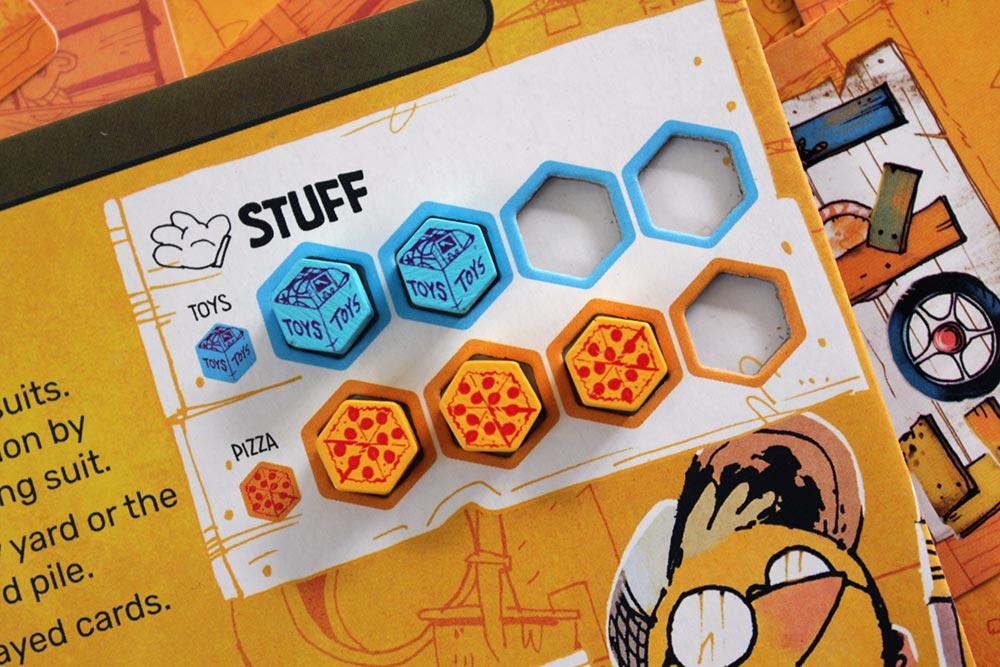 ボードゲーム「FORT」のプレイヤーボードとトークン